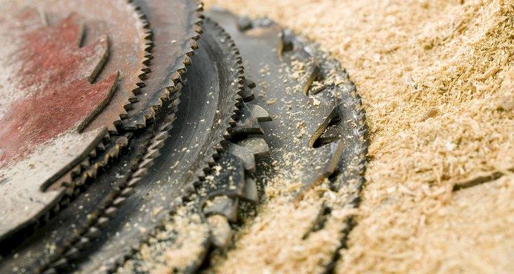 Transforme a serragem que seu projeto gera em massa de madeira