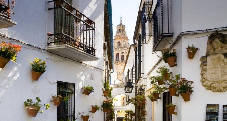 Un poblado típico de Andalucía es el de Ronda.