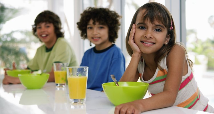 Comer de manera saludable y hacer ejercicio regularmente puede ayudar a tratar con el estrés.