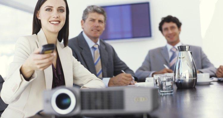 Os projetores da Sanyo são projetados com uma configuração que permite inverter a imagem caso apareça de cabeça para baixo