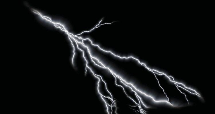 Los rayos son el resultado de la electricidad estática en la atmósfera.
