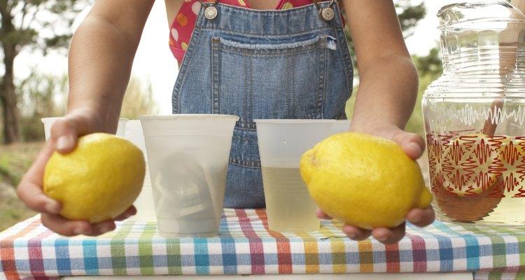 Limões podem servir para mais do que simplesmente virarem limonada