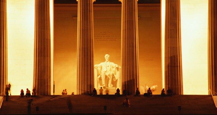 Los discursos cortos y directos de Abraham Lincoln son obras maestras de una buena comunicación.