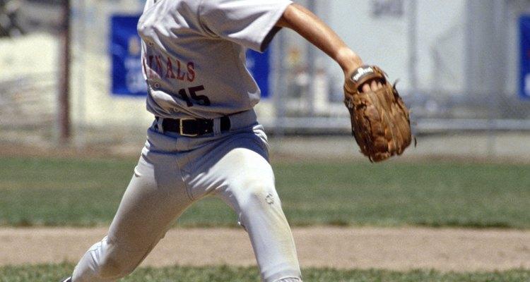 Los uniformes de béisbol se pueden salvar de las manchas de tierra roja.