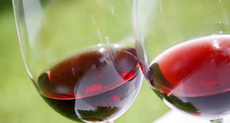2 taças de vinho tinto