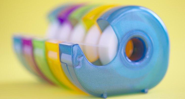 La cinta puede causar desastres en la superficie de tu hogar.