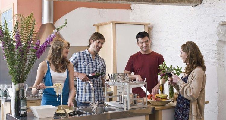 Los aparatos al aire libre ofrecen comodidades convenientes para la cocina.