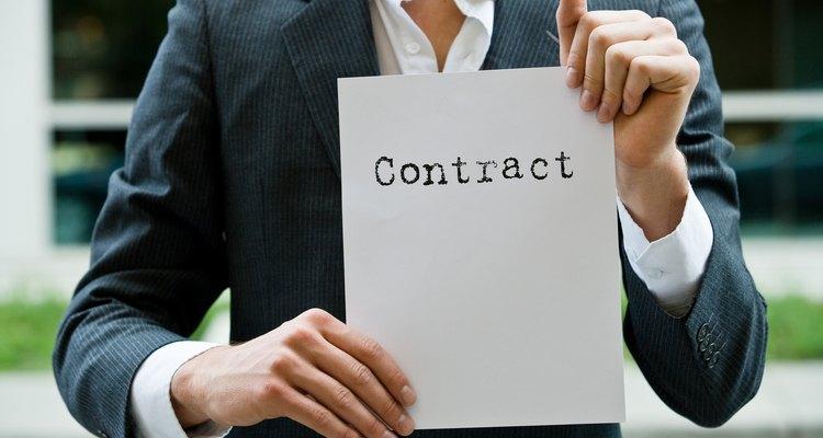 Las cláusulas pueden favorecer a una parte sobre otra involucrada en un contrato.