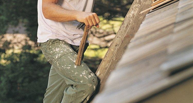 Estender o beiral da garagem pode prover uma melhor proteção para as paredes externas