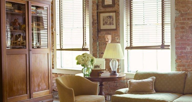 Divide la habitación en secciones componentes con recuentos y tamaños para cada sección.