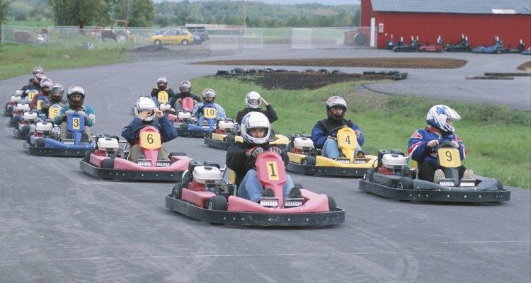 Las carreras de karts profesionales son una versión avanzada de las de go-karts.