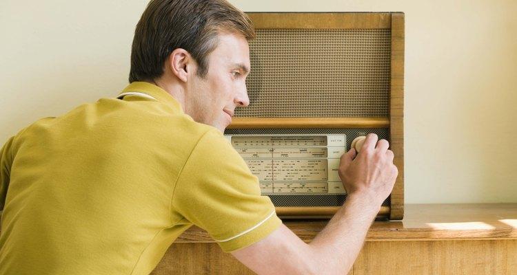 Amplifique o sinal do rádio FM para obter um sinal claro e confiável