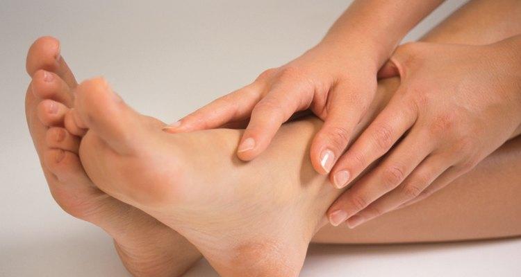 Las manos y los pies que luzcan bellos, elegantes y pulidos pueden decir mucho acerca de la forma en que cuidas tu cuerpo.