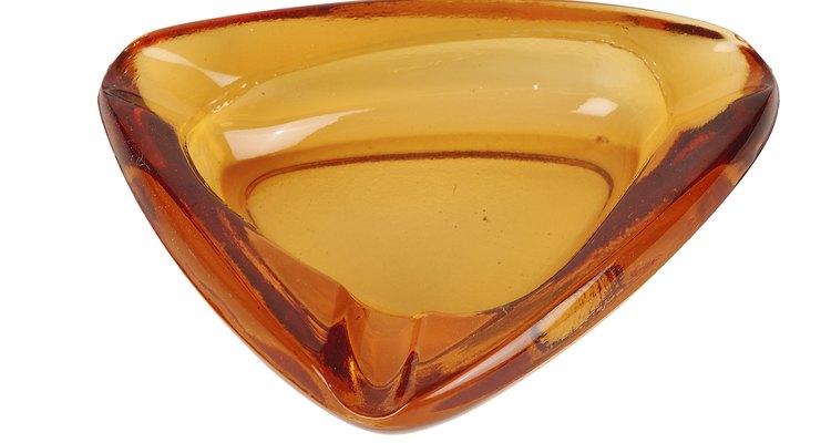 El ámbar, una resina de árbol fosilizada, se utilizaba como un medio para pinturas.