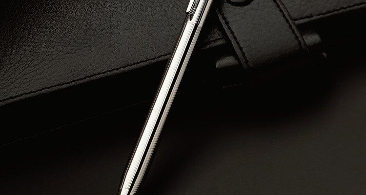 Entenda como são feitas as canetas esferográficas