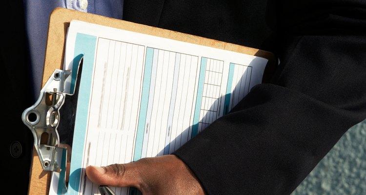 Es obligación de estos gerentes el reportar cualquier hallazgo, plan o contingencia que repercuta en la calidad de la producción.