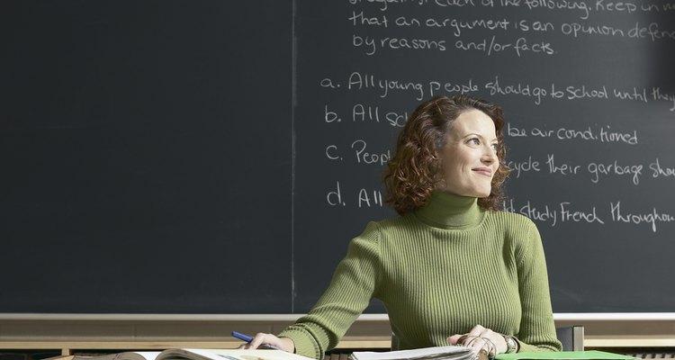Los graduados de filosofía tienen opciones para trabajar en campos como la educación.