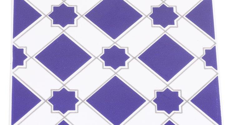 Deja que las baldosas de porcelana embellezcan tus paredes o pisos.