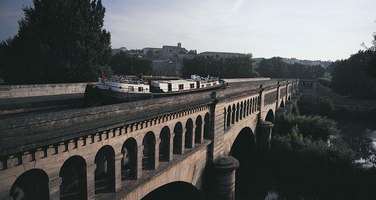 As galerias são as partes mais visíveis do sistema de aquedutos Romano