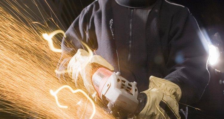 A aspiração de poeira e vapores de ferro faz mal à saúde