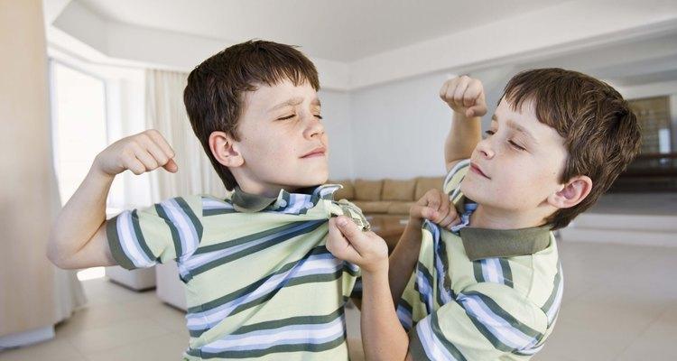 La relación entre hermanos a la larga desarrolla la interacción social de un niño con otras personas.