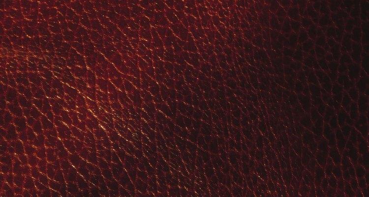 Remova patchs costurados em sua jaqueta