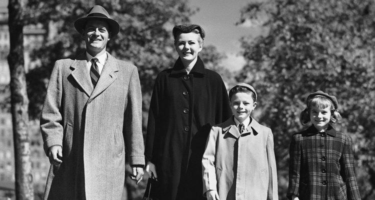 La vestimenta formal era lo habitual durante las salidas familiares.