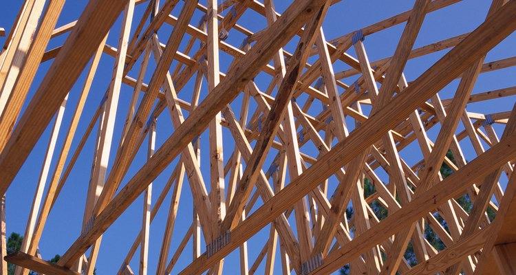 Las casas de armazón de madera de antes de 1950 se construían a menudo sobre cimentaciones de vigas y pilares.