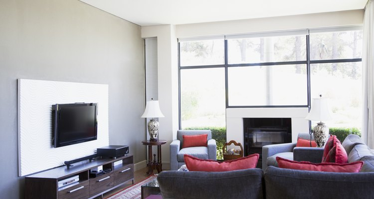 Aprovecha esos muebles familiares para decorar tu sala.