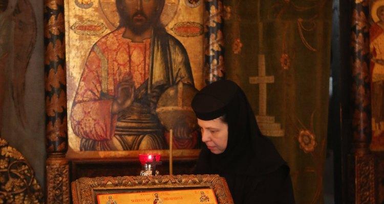Toma un servicio místico ortodoxo en la Catedral Stavropoleos
