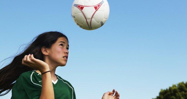 Los niños que practican deportes como el fútbol pueden valorar los deportes más tarde en la edad adulta.