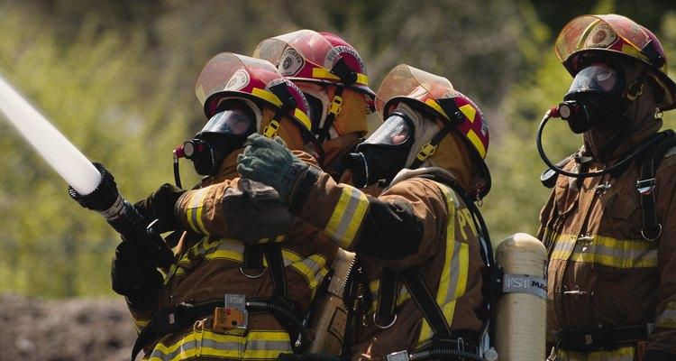 """Los bomberos juran respetar """"el camino elegido de la vida de mis conciudadanos""""."""