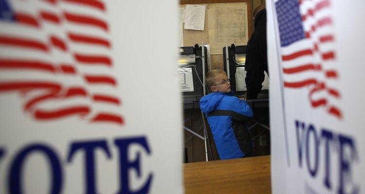 Lleva a tu hijo contigo cuando vayas a votar en el día de las elecciones.