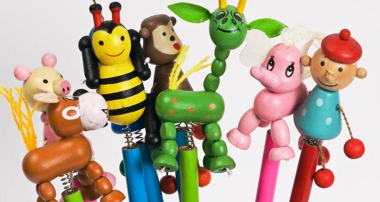 Lápis com brinquedos