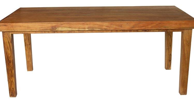Repara la madera con manchas de acetona.