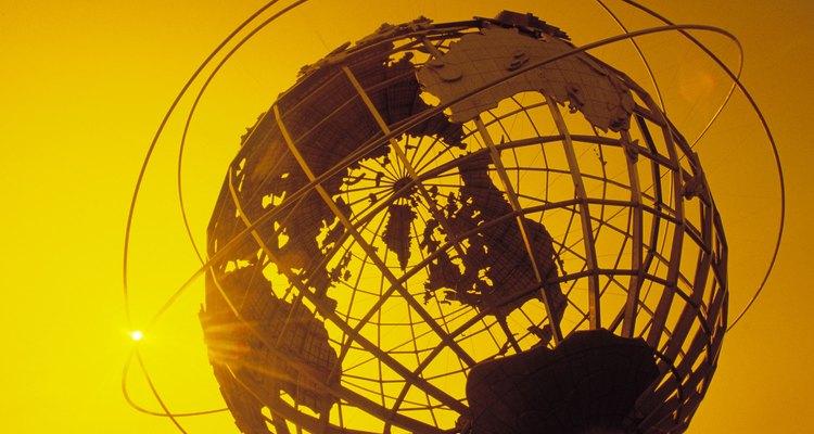 O meridiano de Greenwich é o marco 0º da latitude