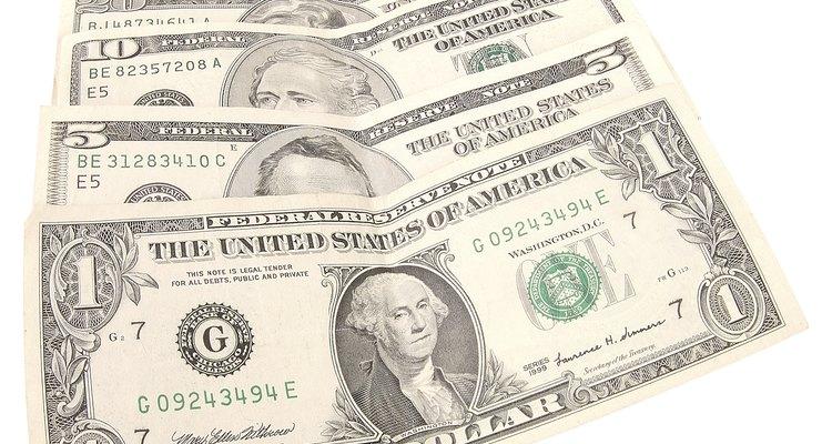 Los billetes de los Estados Unidos tienen un largo exacto de 6 pulgadas (15,24 cm) y 2,5 pulgadas (6,35 cm) de ancho.