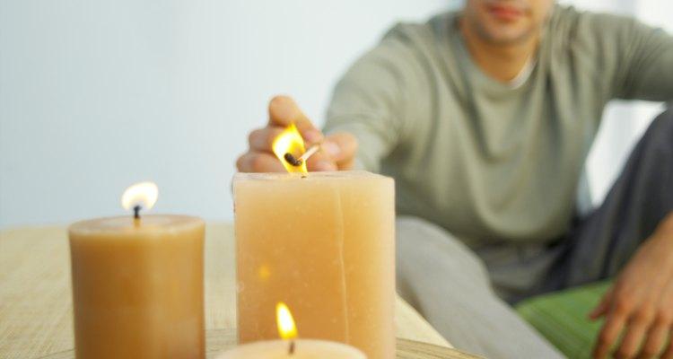 Las velas de citronela son seguras para quemarse alrededor de las personas y de los animales, siempre y cuando no se ingieran.