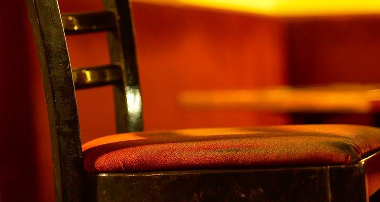La laca es un producto de acabado para madera para muebles e instrumentos.