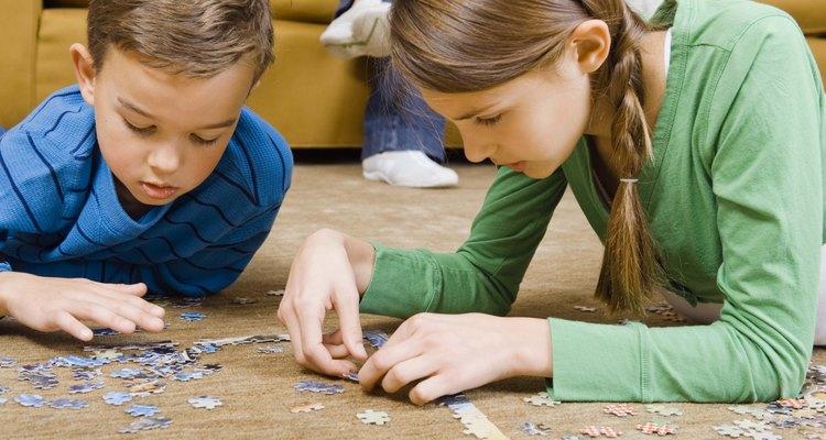 Los niños aprenden a través del juego.