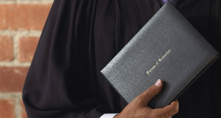 Se você puder provar que um diploma é falsificado, terá menos chances de ser enganado