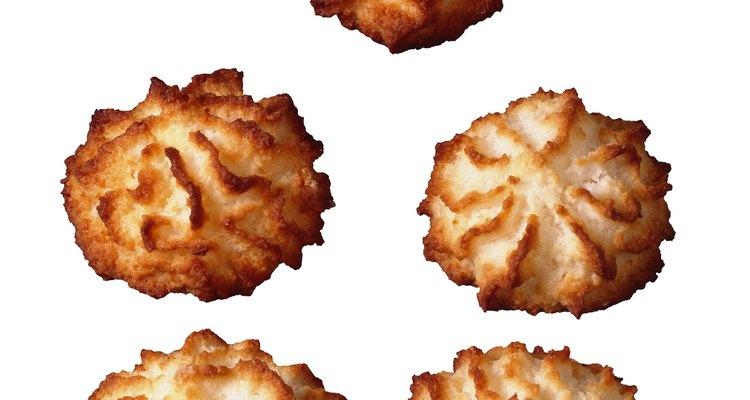 Estos tradicionales macarrones difieren de los franceses en que no están rellenos de crema.