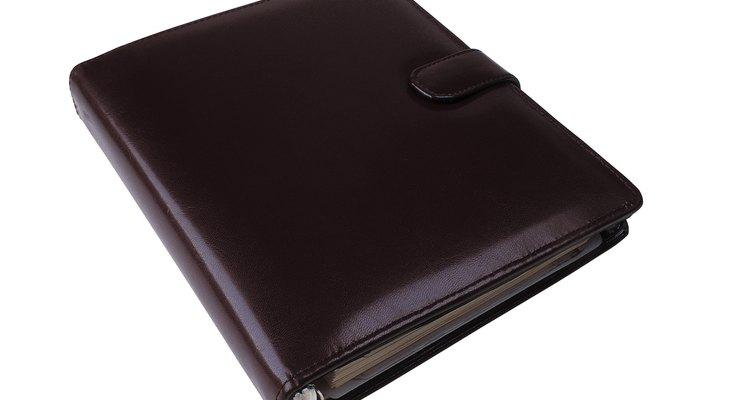 Até agendas podem ser feitas de couro de jacaré.