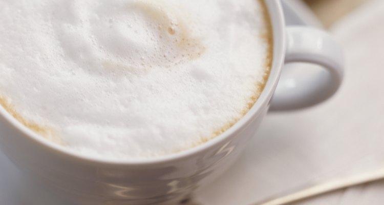 Create a coffeehouse milk foam at home.