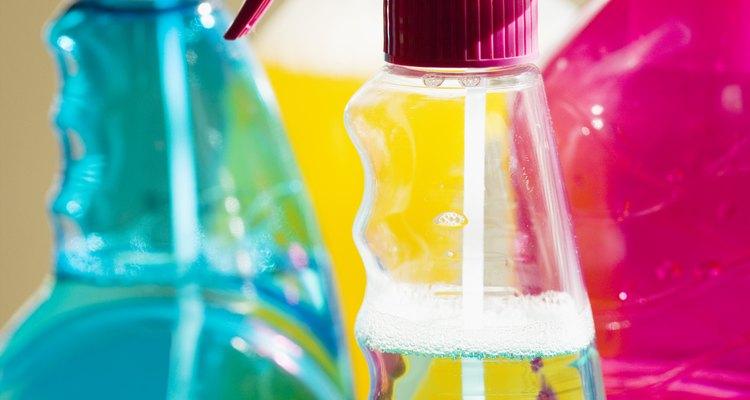 Los limpiadores de hogar desde el jabón de ropa a la cera para metal contienen ácido sulfónico.