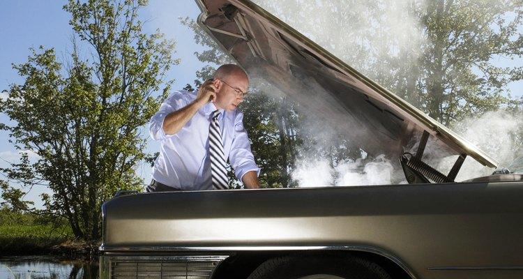 Uma troca de óleo mal feita pode resultar em um motor soltando fumaça
