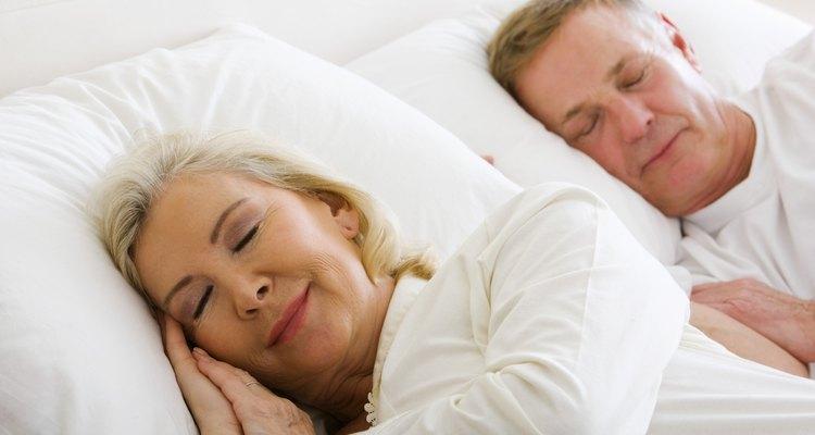 A cama king size é ideal para um descanso confortável