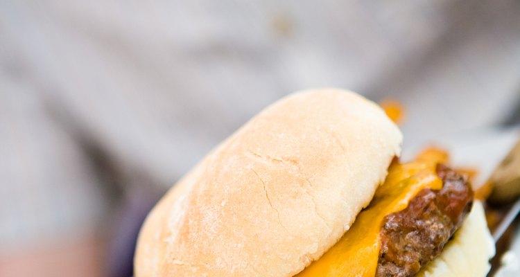 Las hamburguesas al vapor tienen menos calorías que las asadas.
