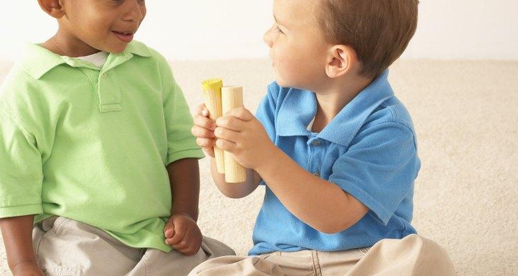 El preescolar contribuye al desarrollo cognitivo, estimulando el aprendizaje y las preguntas.