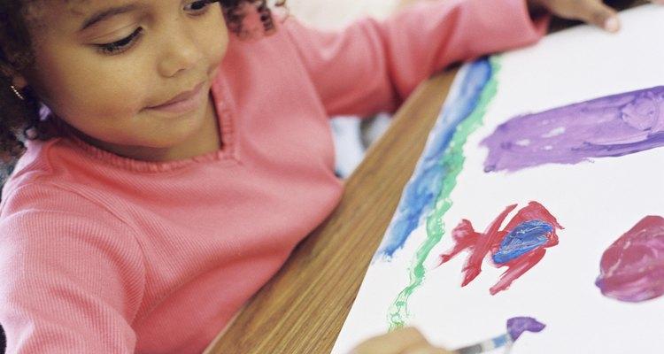 La oportunidad de crear arte único es benéfico para los niños.